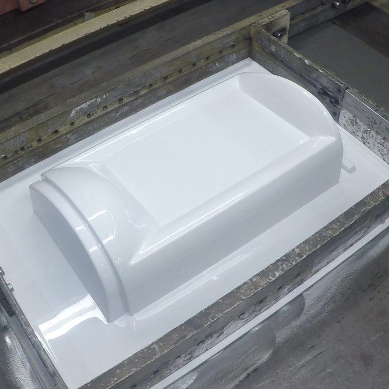 Vacuum-forming-bottom